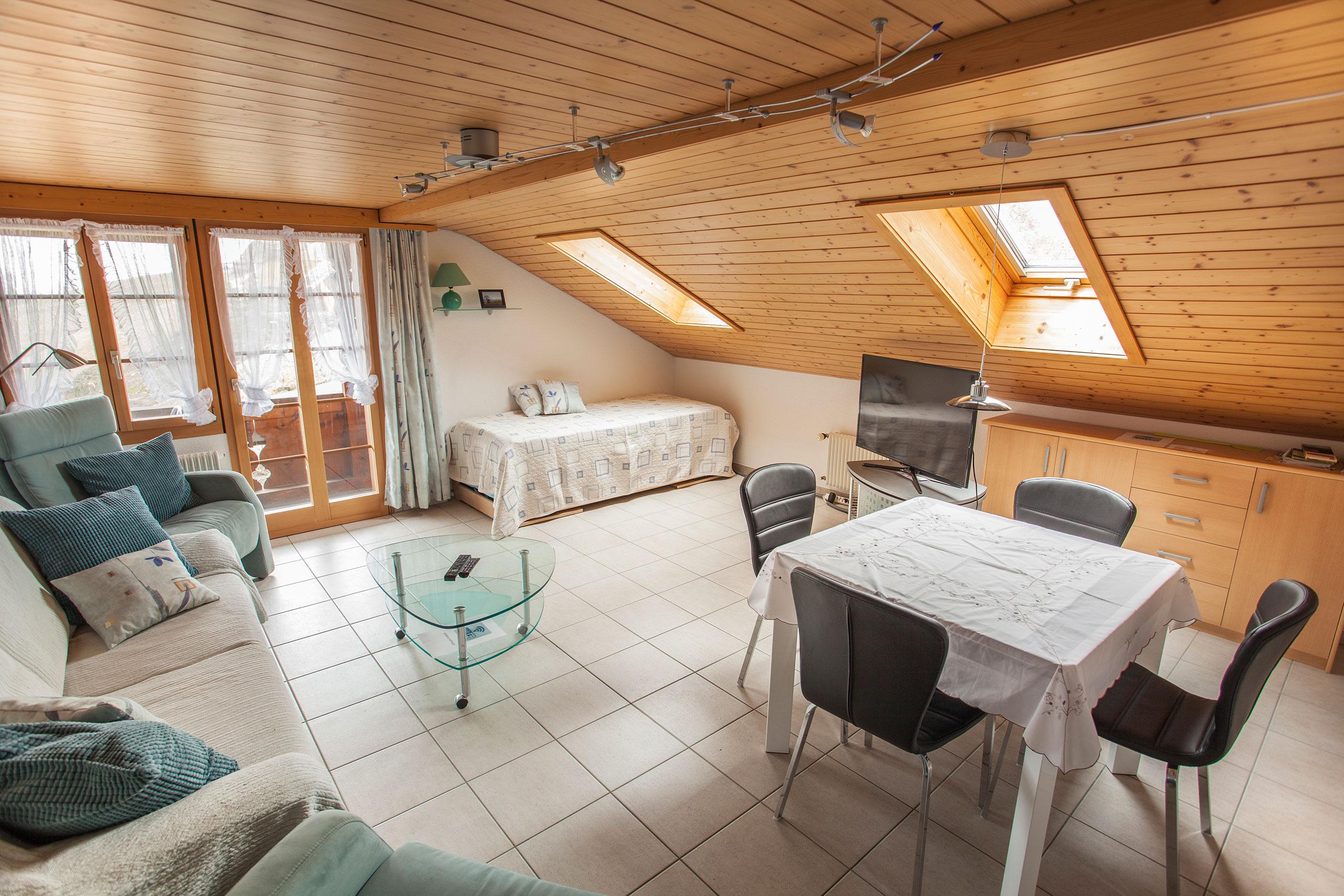 Hofmatt-1-Wohnzimmer-(ohne-Betten)