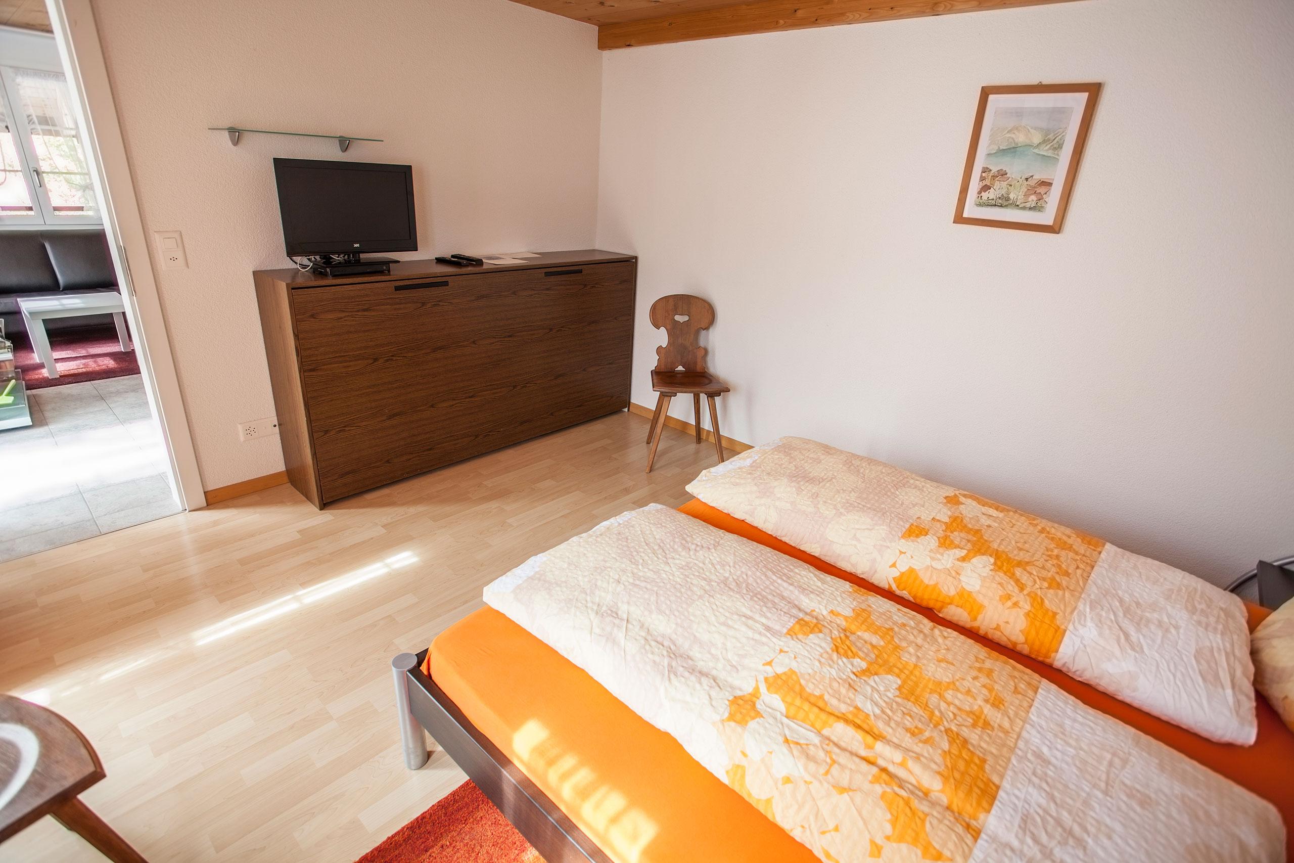 Hofmatt-2-Schlafzimmer-TV